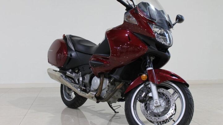 Honda NT700V Deauville — кто таков?